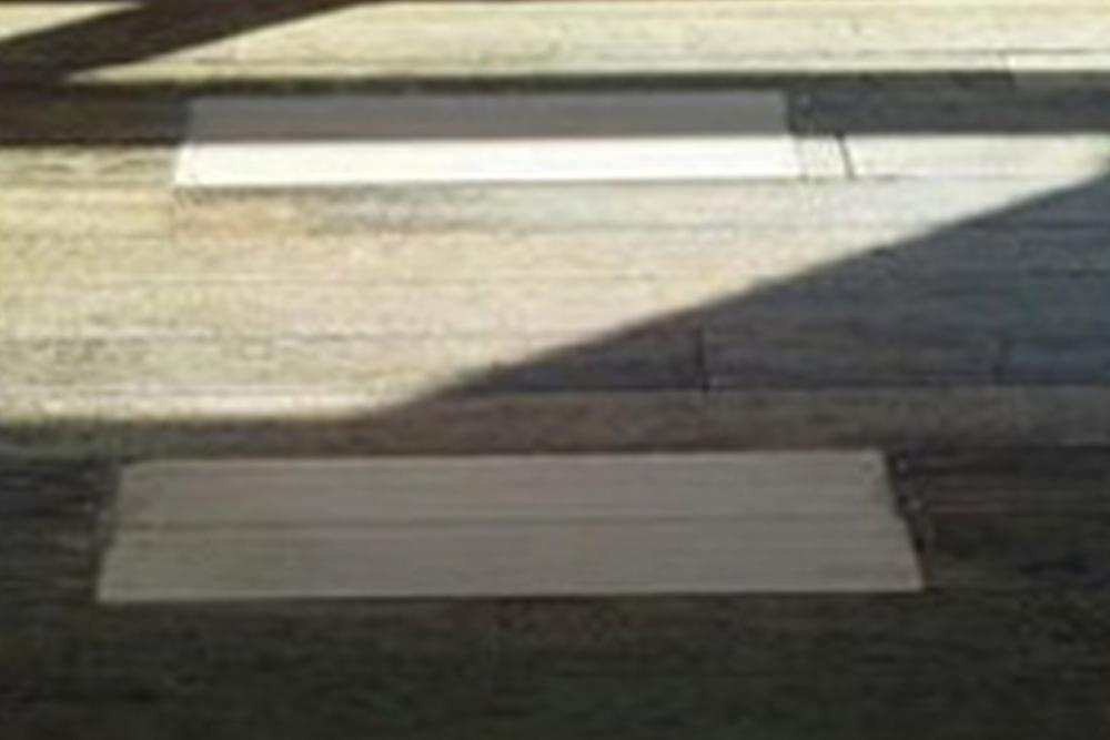 教室内の床修繕